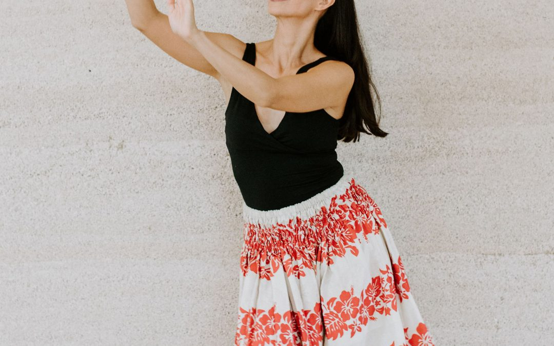 Hawaiian Hula Course | Anna Carbonell